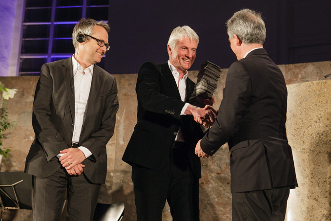 Preisverleihung IHP 2012, Ray Brown, Christoph Ingenhoven, Oberbürgermeister Peter Feldmann, Foto: Fritz Philipp
