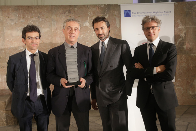 l.t.r. Prize winners Gianandrea Barreca, Stefano Boeri (partners Boeri Studio), Manfredi Catella (Hines Italia), Giovanni La Varra (partner Boeri Studio), photo: Alexander Paul Englert